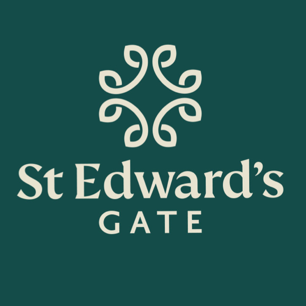 St. Edwards Gate - Cuffley Hill